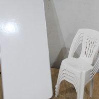 Mesas y sillas para banquetes en exterior